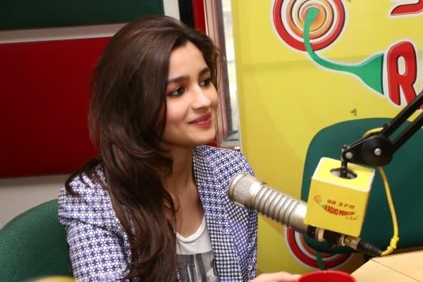 Alia Bhatt visited Radio Mirchi
