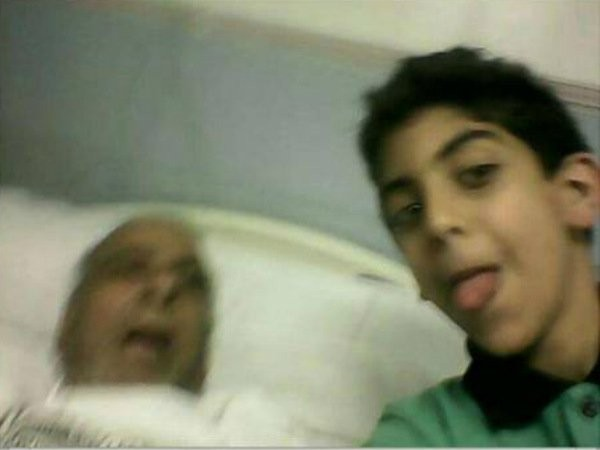 Saudi teen's selfie with dead grandfather goes viral