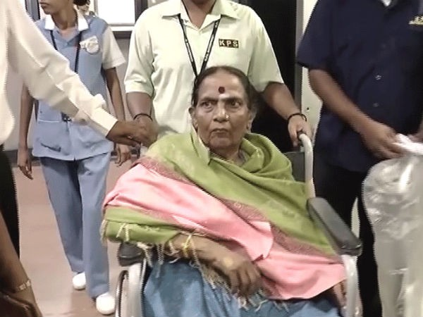Parvathamma, wife of Kannada icon Rajkumar passes away