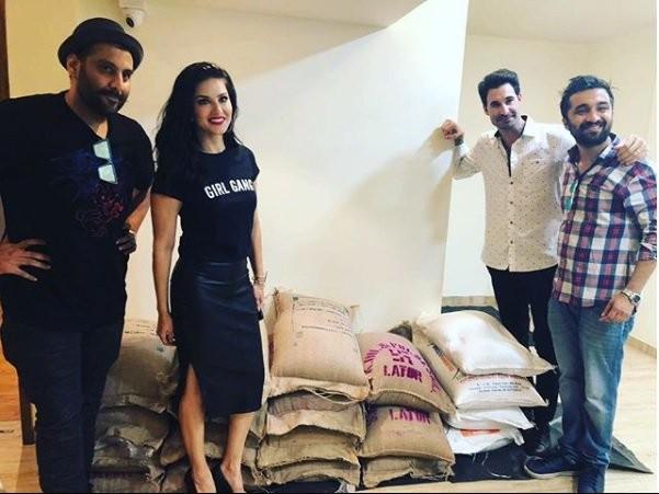 Sunny Leone,actress Sunny Leone,Sunny Leone donates food,Sunny Leone donates for kerala,Kerala flood victims,Kerala flood,Kerala victims