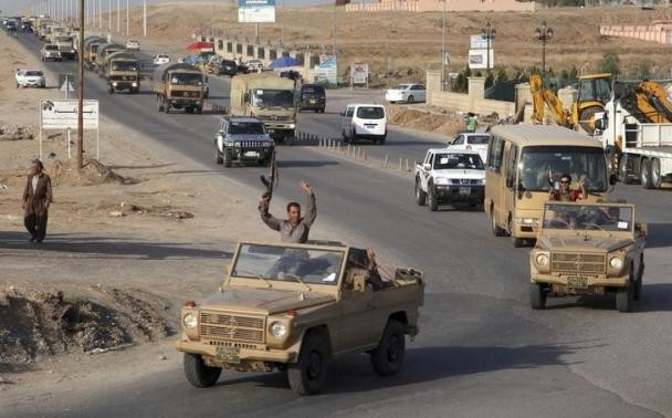 Peshmerga Forces on their way to the Kurdish town of Kobani,Syria.