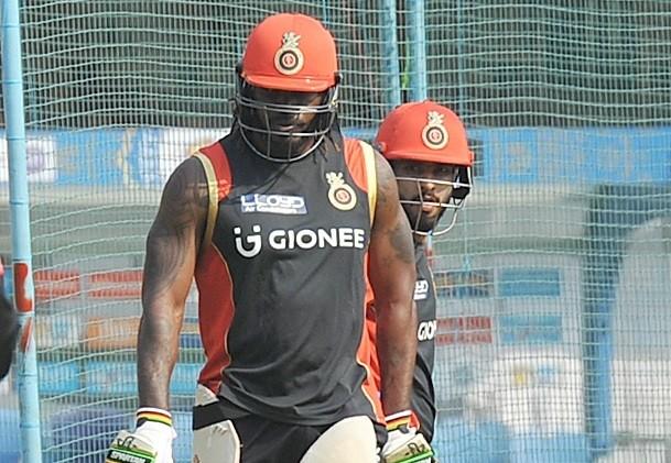 Chris Gayle, RCB, IPL 2017, Mumbai Indians, Mandeep Singh