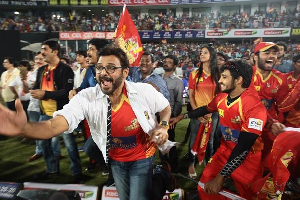Telugu Warriors Celebrate Victory