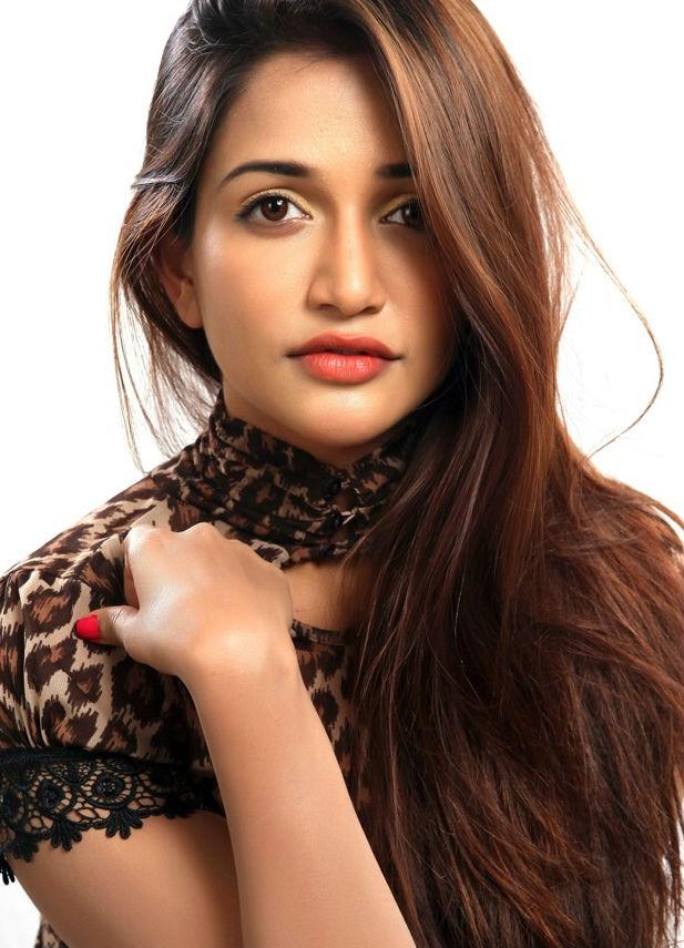 Anaika Soti Stills from 365 days Movie,Anaika Soti,actress Anaika Soti,Anaika Soti pics,hot Anaika Soti,telugu movie 365 days,365 days,telegu celebs,south indian actress