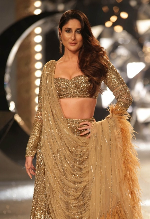 Kareena Kapoor Khan,Kareena Kapoor Khan at India Couture Fashion Week,Kareena Kapoor at India Couture Fashion Week,Kareena Kapoor Khan at ICFW,Kareena Kapoor at ICFW,ICFW 2018,India Couture Fashion Week