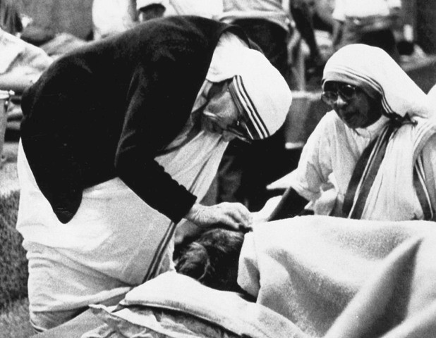 Mother Teresa,mother teresa rare photos,Mother Teresa photos,Mother Teresa with diana,Mother Teresa with pope john paul 2