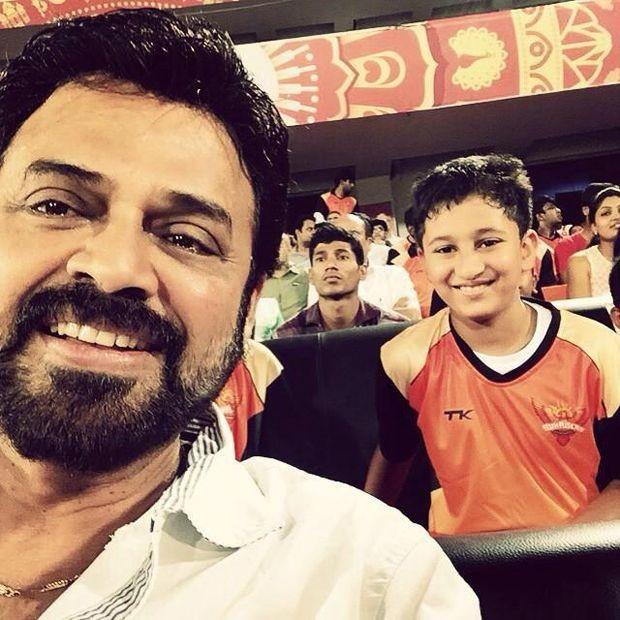 Venkatesh and Mahesh Babu's son Gautam at IPL Match,Venkatesh,actor Venkatesh,Mahesh Babu's son Gautam,Mahesh Babu son Gautam,Mahesh Babu,actor mahesh babu,actor Mahesh Babu's son Gautam,IPL Match,ipl 2015,ipl 8,Sun Risers Hyderabad and Mumbai Indians,Sun
