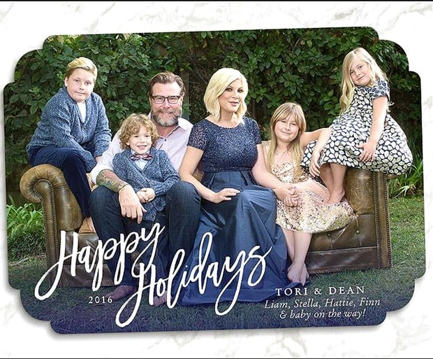 Fergie,Lisa Rinna,Wilkinson,The Jonas,Tori Spelling,celebs share holiday cards with fans,celebs greetings card,Christmas Special,Christmas Special cards,Christmas Special cards from celebs