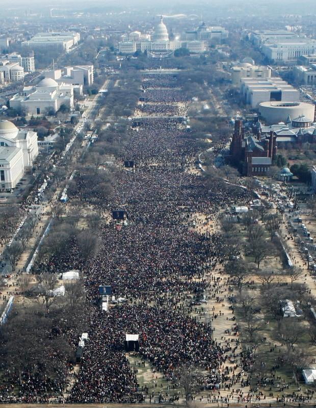 Barack Obama v/s Donald Trump,Barack Obama,Donald Trump,Barack Obama during inauguration,Donald Trump during inauguration,crowd during inauguration