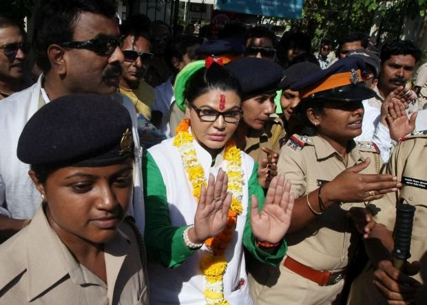 Valmiki controversy,Rakhi Sawant arrested by Punjab Police,Rakhi Sawant arrested,Rakhi Sawant,actress Rakhi Sawant,rakhi sawant controversy,Rakhi Sawant arrested pics,Rakhi Sawant arrested images,Rakhi Sawant arrested stills,Rakhi Sawant arrested pictures