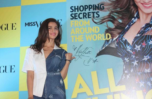 Alia Bhat Latest Photos,Alia Bhat Latest pics,Alia Bhat Latest images,Alia Bhat,actress Alia Bhat,Alia Bhat pics,bollywood actress Alia Bhat