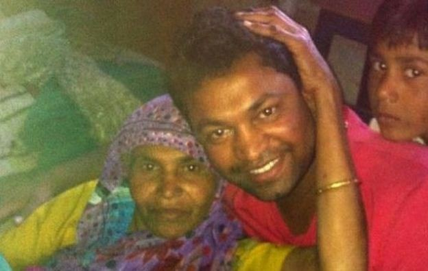 Saroo Brierley after reuniting with mother after 25 years. Image Credit: Facebook/ Saroo Brierley (Official)
