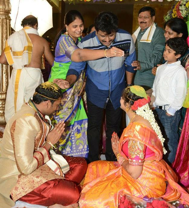 Director Vasu,Director Vasu's daughter Deepthi Wedding photos,Director Vasu's daughter Deepthi,Deepthi Weds Bharath Wedding,Deepthi Weds Bharath,Deepthi Wedding photos,Deepthi Wedding pics,Deepthi Wedding images,Deepthi Wedding stills,Deepthi We