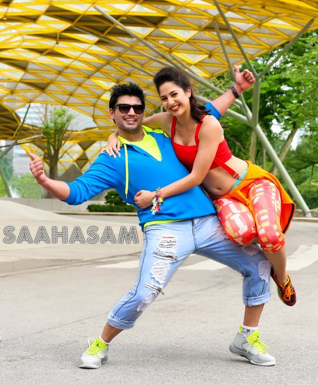 Saahasam,tamil movie Saahasam,Prashanth,actor  Prashanth,Prashanth in Saahasam,Saahasam Movie Stills,Saahasam Movie pics,Saahasam Movie images,Saahasam Movie photos,Saahasam Movie pictures