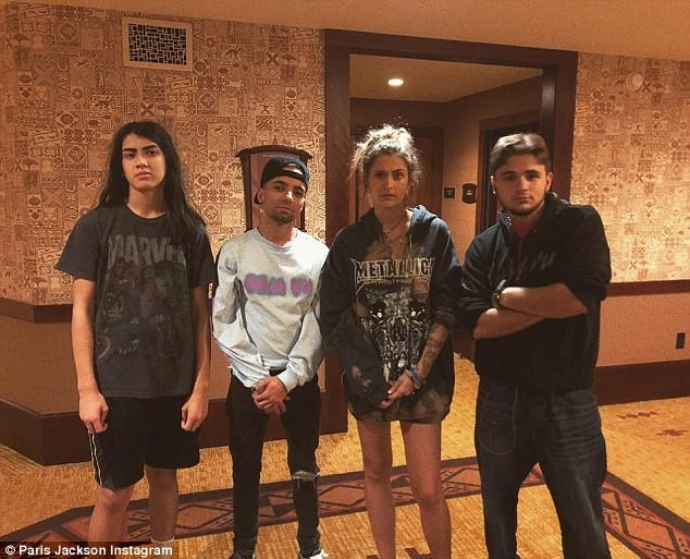 Paris Jackson,Paris Jackson celebrates holiday,Paris Jackson celebrates christmas,Paris Jackson bikini snaps,Paris Jackson bikini pics,Paris Jackson bikini images,Paris Jackson bikini stills,Paris Jackson bikini pictures