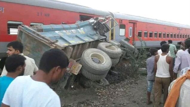 Over 70 injured after Kaifiyat Express derails in UP's