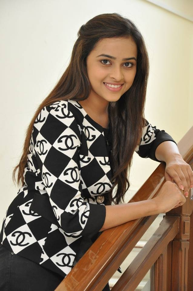 Sri Divya,Actress Sri Divya,Sri Divya Latest Photos,Sri Divya Latest pics,Sri Divya Latest images,Sri Divya Latest stills,Sri Divya pics,Sri Divya images,Sri Divya pictures