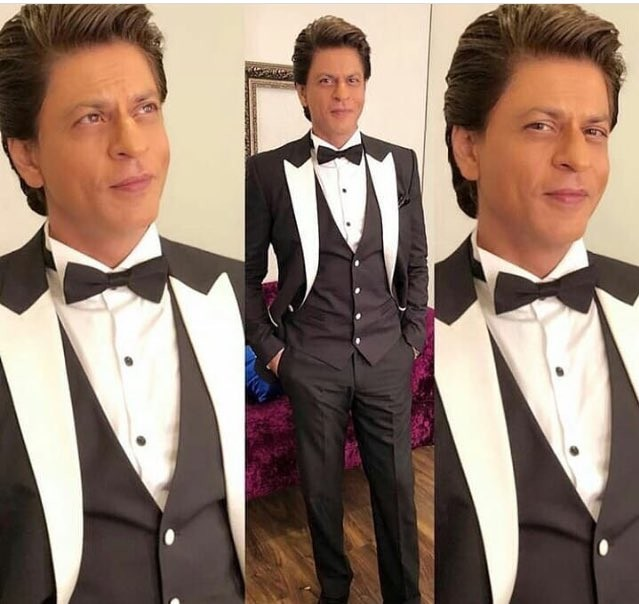 Shah Rukh Khan,handsome Shah Rukh Khan,handsome SRK,SRK,Lux Golden Rose Awards 2017 red carpet,Lux Golden Rose Awards red carpet,Lux Golden Rose Awards