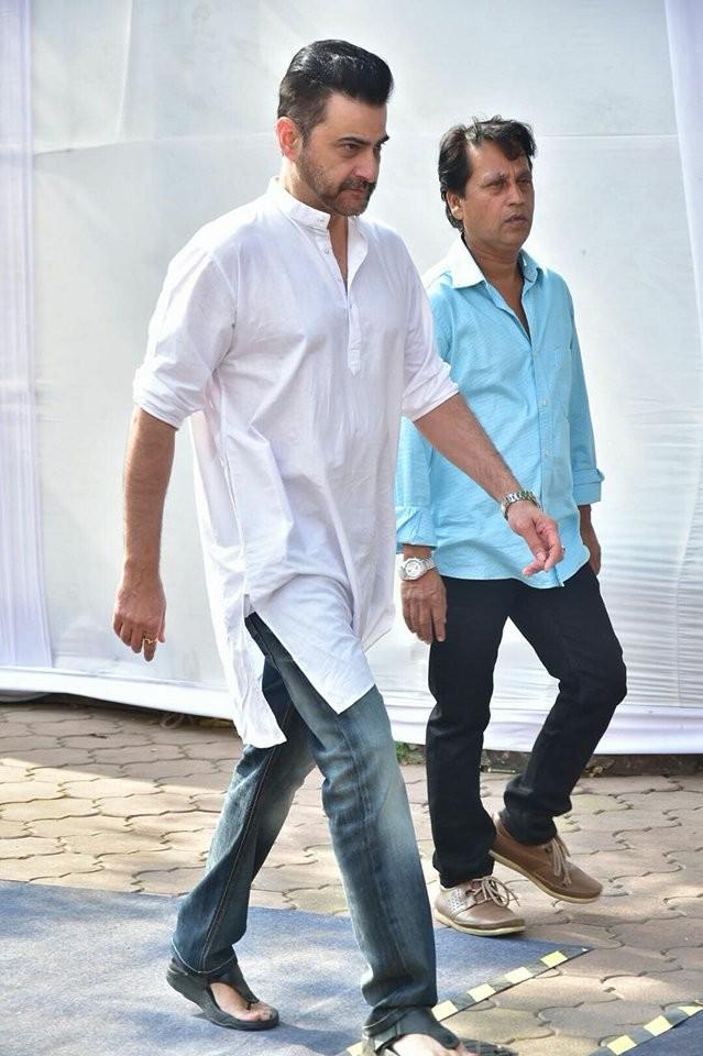 Sanjay Kapoor,John Abraham,Vivek Oberoi,Shahid Kapoor,Misha,Sridevi funeral,Sridevi funeral pics,celebs at Sridevi funeral,Celebration Sports Club