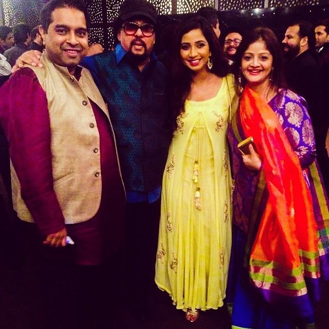 Shreya Ghoshal,Shreya ghoshal rare and unseen pics,Rare and Unseen Selfies,Shreya ghoshal with celebs,Yesudas,shankar mahadevan
