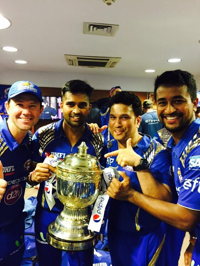 Mumbai Indians with IPL 2015 Trophy,Mumbai Indians,Mumbai Indians IPL 2015,Mumbai Indians Win Second IPL Crown,Mumbai Indians Win Second IPL Trophy,Mumbai Indians lift the trophy,Rohit Sharma,Mumbai Indians saunter to second title win,Indian Premier Leagu