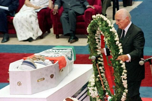 Mother teresa,mother teresa death anniversary,mother teresa photos,mother teresa funeral photos,charity sister