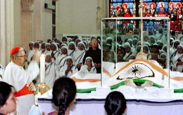Mother teresa,mother teresa death anniversary,mother teresa photos,mother teresa funeral photos,charity sister