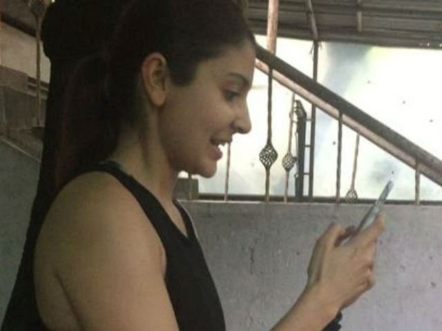 Anushka Sharma,Anushka Sharma is Hooked on to Pokemon Go,Anushka Sharma playing Pokemon Go,Anushka Sharma Pokemon Go,Pokemon Go,Pokemon Go fever,Pokemon Go game