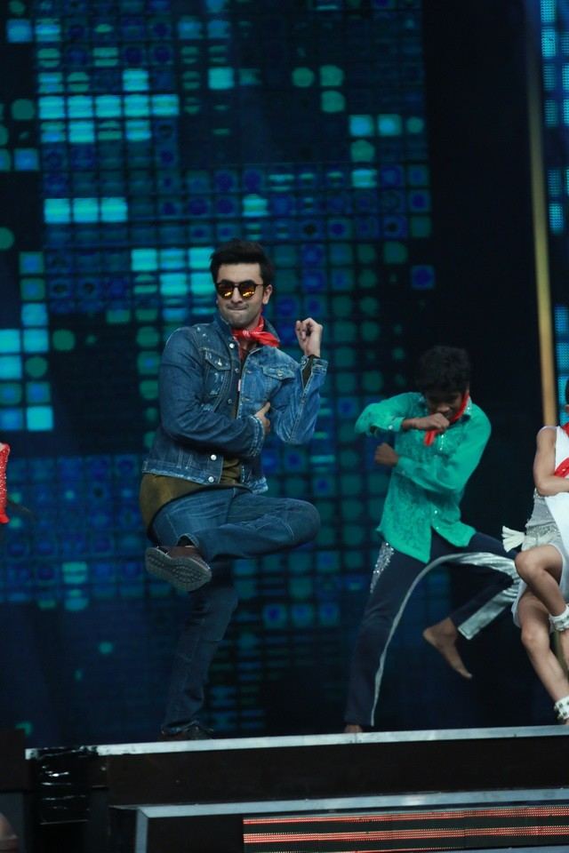 Ranbir Kapoor,Ranbir Kapoor promotes Ae Dil Hai Mushkil,Ae Dil Hai Mushkil,Ae Dil Hai Mushkil promotion,Ae Dil Hai Mushkil movie promotion,Super Dancer,Ranbir Kapoor on the set of Super Dancer,Ranbir Kapoor at Super Dancer