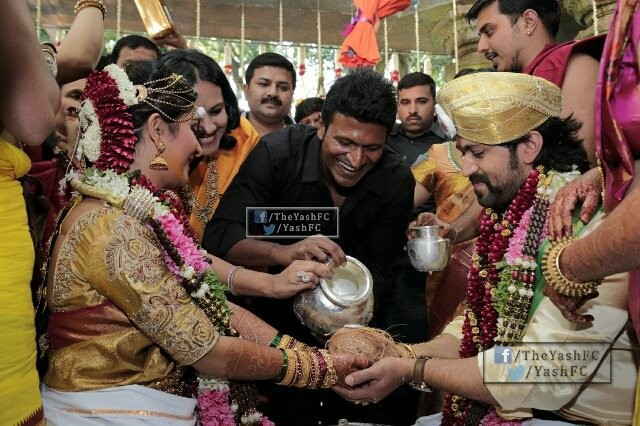 Puneeth Rajkumar,Ravichandran,Sriimurali,Bharathi Vishnuvardhan,Shivarajkumar,Sudeep,Raghavendra Rajkumar,Yash and Radhika Pandit's wedding,Yash and Radhika Pandit wedding,Yash and Radhika Pandit marriage,Yash wedding,Radhika Pandit wedding,Yash marr