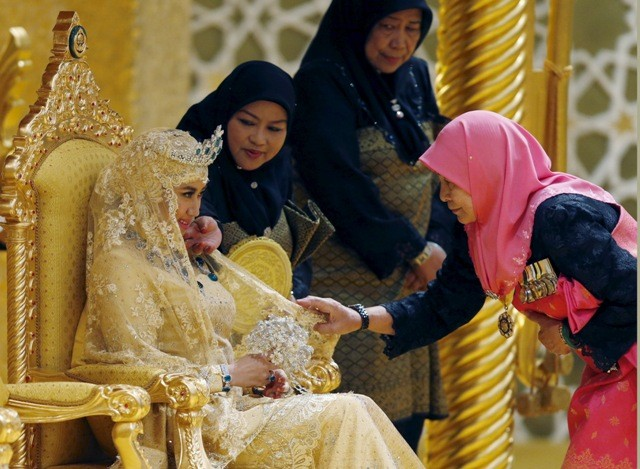 Sultan of brunei wedding,Wedding photos,Sultan of brunei son's wedding,Abdul malik wedding photos,Abdul malik wife name,lavish wedding photos