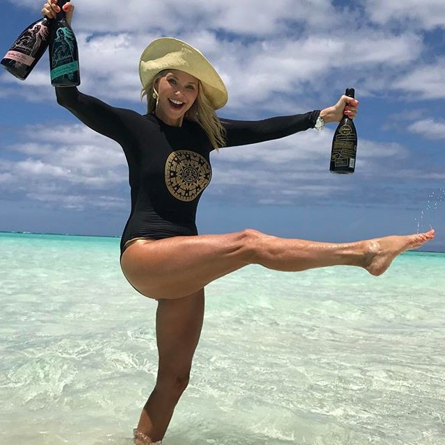 Christie Brinkley,Christie Brinkley bikini pics,Christie Brinkley bikini images,Christie Brinkley bikini stills,Christie Brinkley bikini pictures,Christie Brinkley hot pics,Christie Brinkley hot images,Christie Brinkley hot stills,Christie Brinkley hot pi