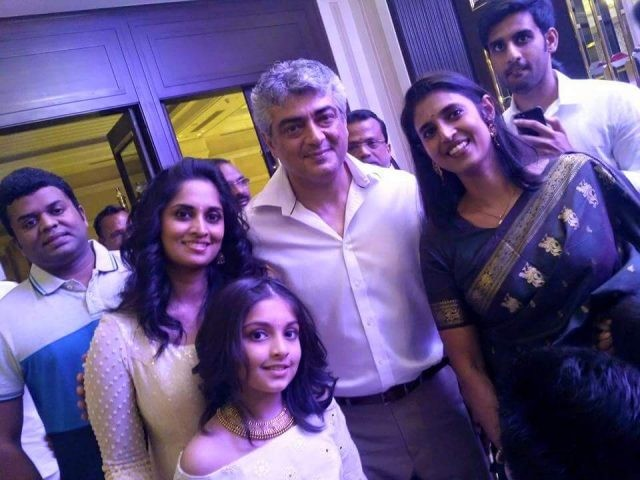 Vivegam,Ajith Kumar,Thala Ajith,Ajith with his wife,Ajith with his family,Ajith latest pics,Ajith latest images,Ajith latest stills,Ajith latest pictures