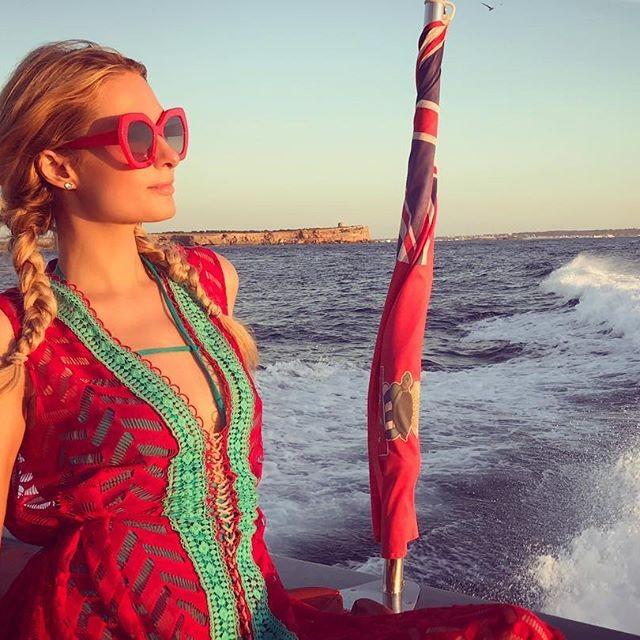 Paris Hilton,Paris Hilton and Chris Zylka,Chris Zylka,Paris Hilton enjoys boating,Paris Hilton boyfriend,Paris Hilton boyfriend Chris Zylka