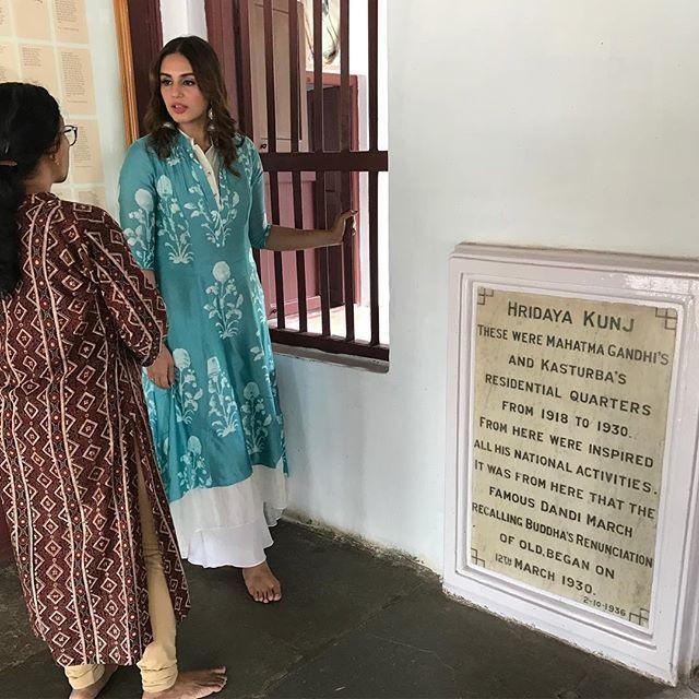 Huma Qureshi,Huma Qureshi visits Sabarmati Ashram,Sabarmati Ashram