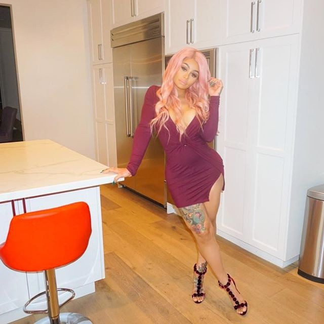 Blac Chyna flaunts her pink neon hair,Blac Chyna pink neon hair,Blac Chyna pink hair,Blac Chyna ample cleavage,Blac Chyna Instagram posts,Blac Chyna Instagram pics,Blac Chyna Instagram images,Blac Chyna Instagram stills,Blac Chyna Instagram pictures