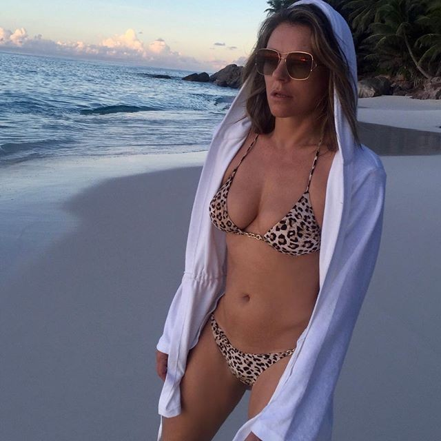 Elizabeth Hurley,model Elizabeth Hurley,Elizabeth Hurley in Bikini,Elizabeth Hurley bikini pics,Elizabeth Hurley bikini images,Elizabeth Hurley bikini stills,Elizabeth Hurley bikini pictures,Elizabeth Hurley bikini photos,Elizabeth Hurley hot pics,Elizabe
