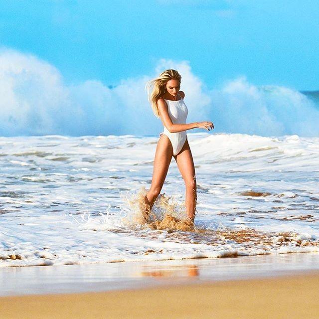 Candice Swanepoel,victoria's secret Candice Swanepoel,Candice Swanepoel instagram,Candice Swanepoel wallpaper,Candice Swanepoel sexy photos,Candice Swanepoel bikini photo,Candice Swanepoel hot pics