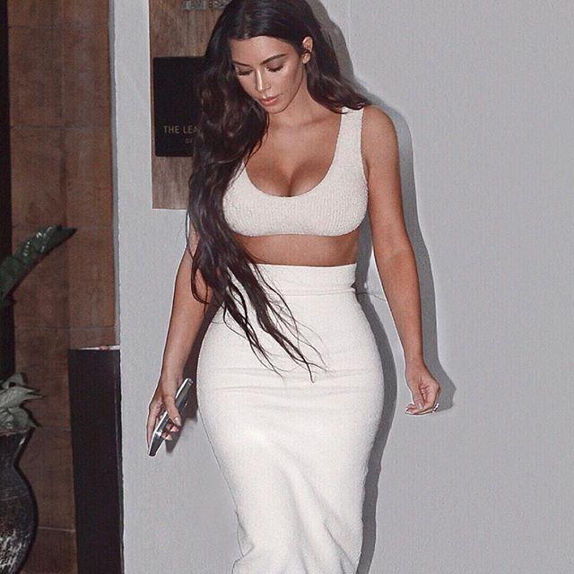 Kim Kardashian,Kim Kardashian Kanye West,kim kardashian instagram,Kim Kardashian abs,Kim Kardashian ample cleavage,Kim Kardashian cleavage,Kim Kardashian pics,Kim Kardashian images,Kim Kardashian poster,Kim Kardashian wallpaper