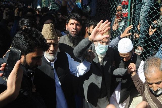 Syed Ali Geelani,Senior hardline separatist leader Syed Ali Geelani,Syed Ali Geelani offers Friday prayers,Jamia Masjid