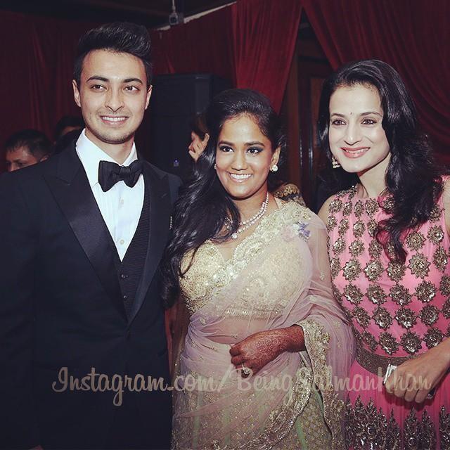 Ameesha Patel at Arpita Khan's Wedding Reception