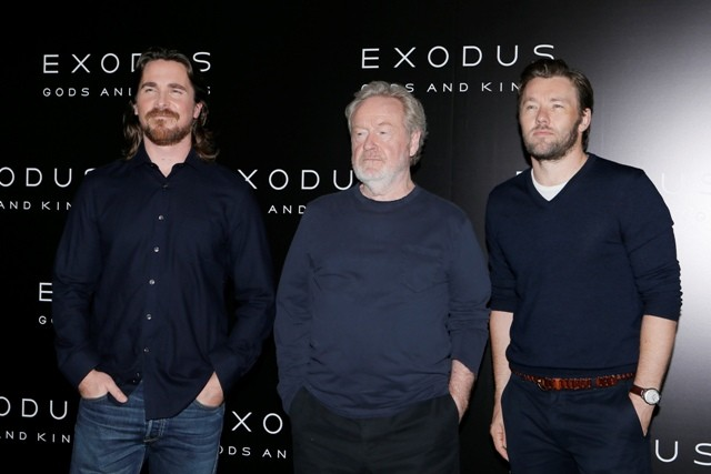 Christian Bale and Joel Edgerton pose with director Ridley Scott