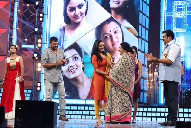 Manju Warrier and Kaviyoor Ponnamma