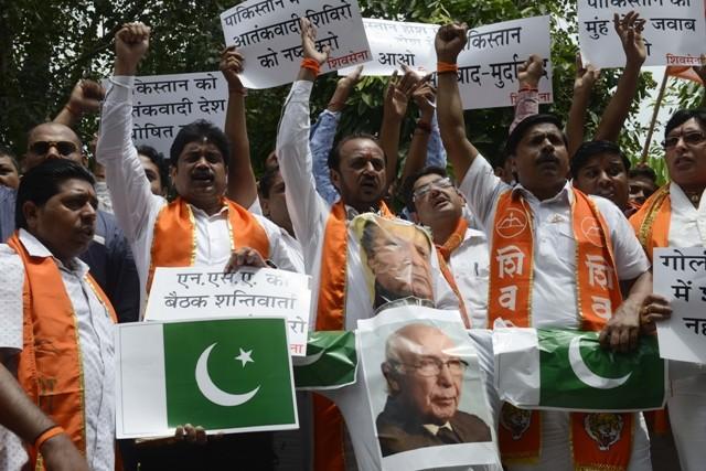 shiv sena indo pak talks protest