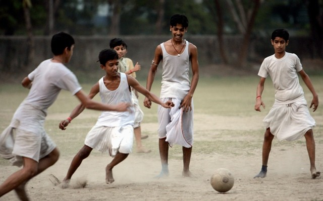 kids play football in india