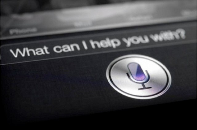 Siri Reads Your Notifictions Aloud Even When the Lock Screen is Hidden