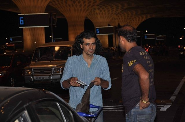 Imtiaz Ali clicked at the airport, leaving for IIFA weekend