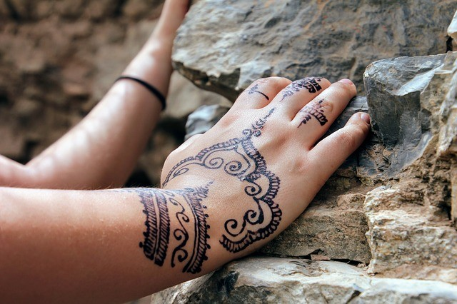 Mehndi Tattoo Temporary : Fake henna tattoo gives tourist allergy experts say it can be fatal