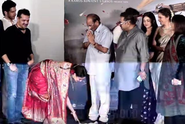Kangana Ranaut touches Baahubali writer K Vijayendra Prasad's feet