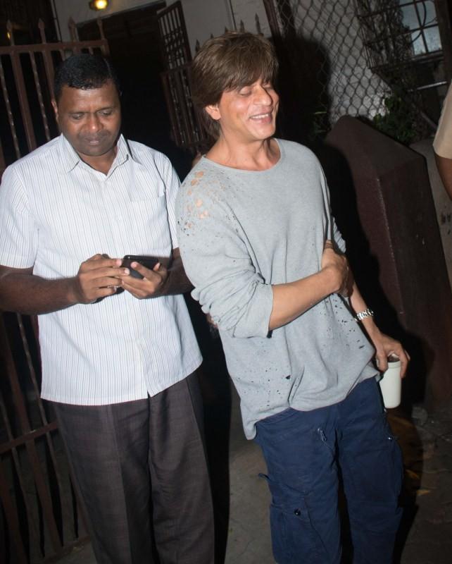 Shah Rukh Khan,Shah Rukh Khan at Shankar Mahadevan studio,Shankar Mahadevan studio,SRK at Shankar Mahadevan studio,Shahrukh Khan at Shankar Mahadevan studio